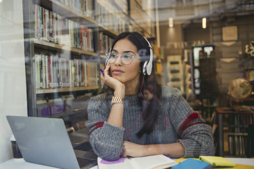 Should you listen to music while doing intellectual work? It depends